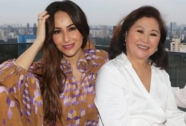 Sabrina Sato e mãe