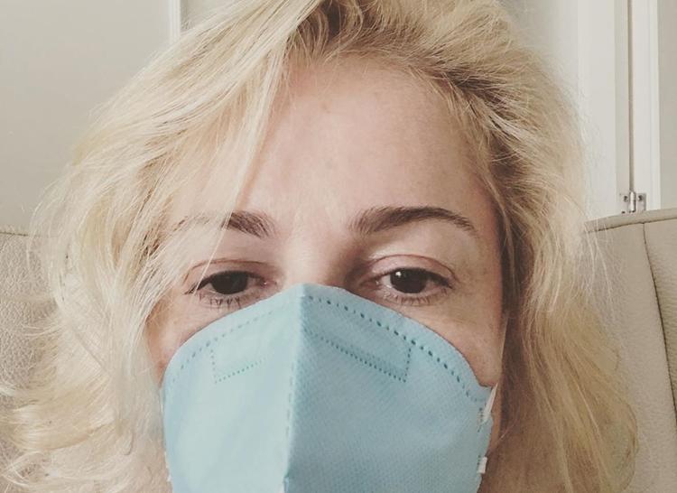 Jornalista Márcia Peltier confirma que contraiu o coronavírus (Codiv-19)