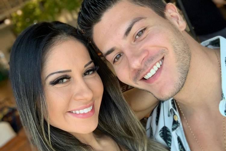 Mayra Cardi anuncia fim do casamento com Arthur Aguiar