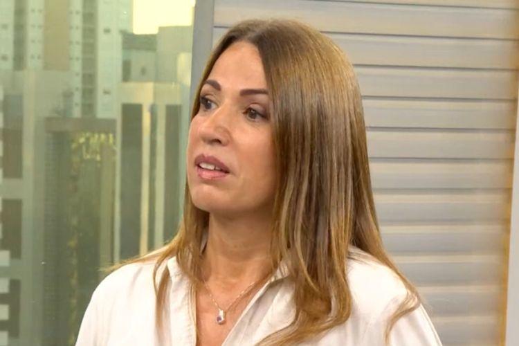 """Repórter da TV Globo se emociona ao falar sobre flores na quarentena: """"Traz energia"""""""