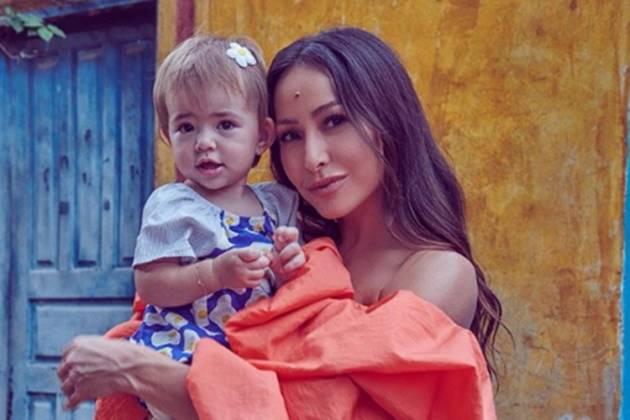 Sabrina Sato e filha Zoe reprodução Instagram