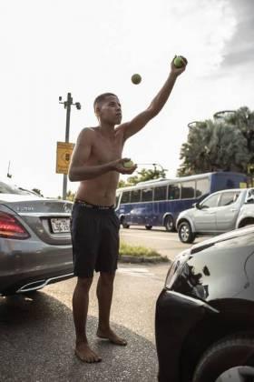 Du Farol MC fazia malabares em sinais no Rio Foto: divulgação