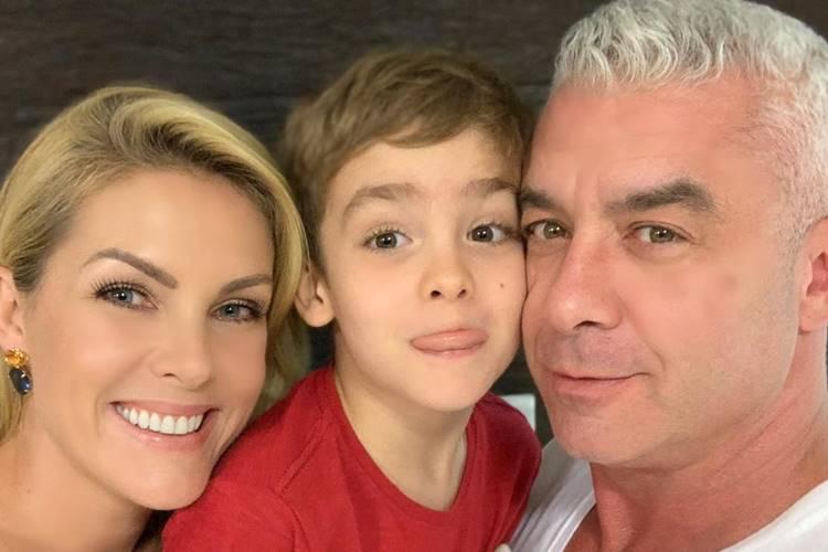 """Ana Hickmann celebra momento em família: """"Meus amores"""""""