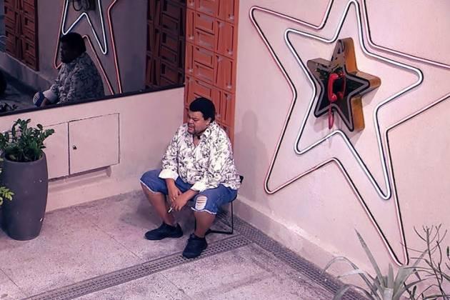 Babu chora após saída de Felipe: 'Desculpa, cara' — Foto: Globo