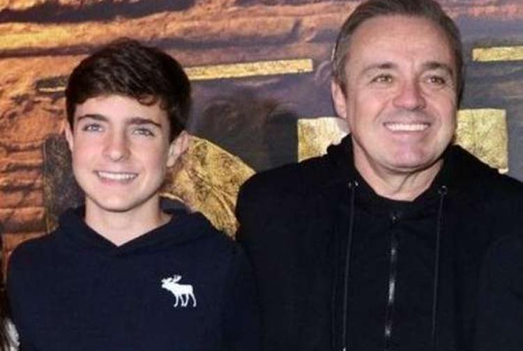 Gugu Liberato ganha linda homenagem do filho mais velho