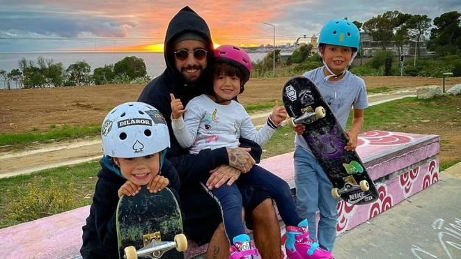 Pedro Scooby e filhos, Dom, Liz e Bem (Foto: Reprodução/Instagram)