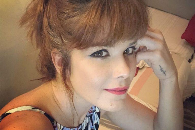 "Samara Felippo relembra relacionamentos abusivos: ""Me anulei para agradar"""