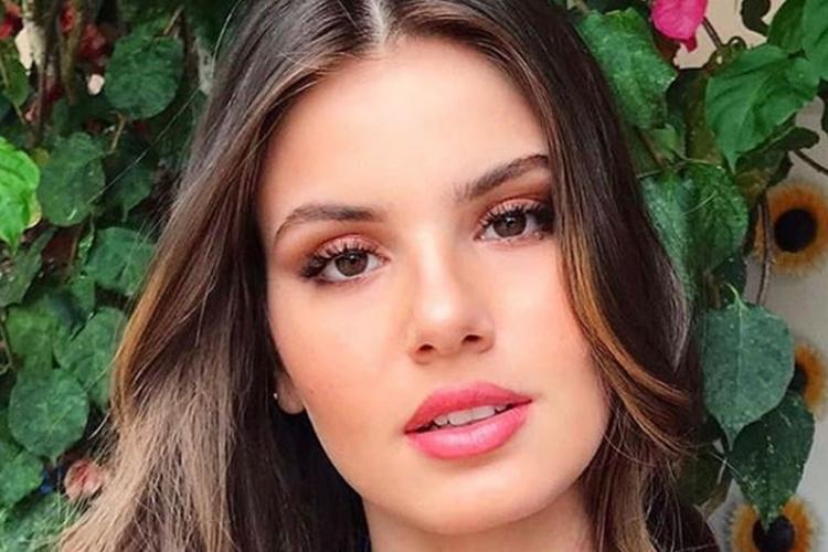 Camila Queiroz testa falso positivo para Covid-19 e afeta gravações de 'Verdades Secretas 2'