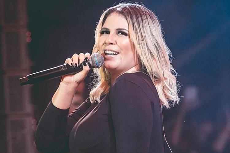 Sertaneja Marília Mendonça surpreende fãs ao surgir cantando música nova de Gusttavo Lima