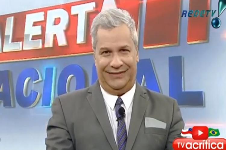 Apresentador Sikera Jr. volta a RedeTV para apresentar o Alerta Nacional e faz agradecimentos