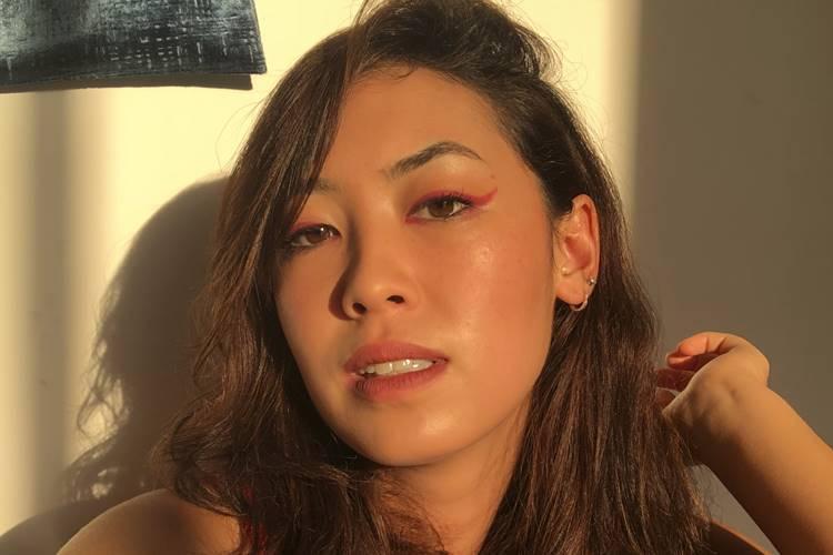 Atriz Ana Hikari revela ser bissexual e faz desabafo