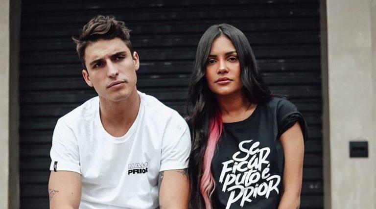 Ex-BBBs Felipe Prior e Flayslane posam juntos em campanha