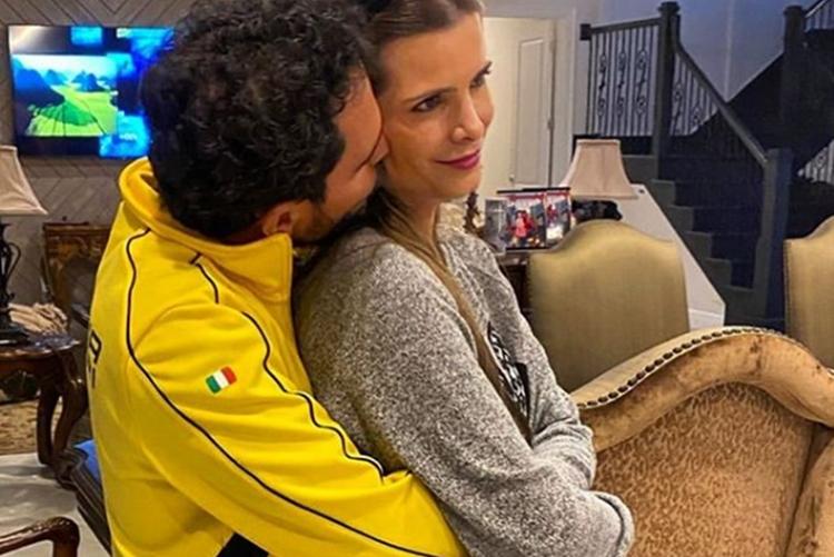Sertanejo Luciano Camargo celebra o aniversário da esposa Flávia Camargo