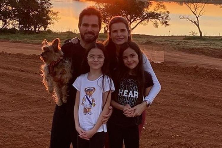 """Sertanejo Luciano Camargo compartilha momentos especiais com as filhas: """"Deus me dá o privilégio"""""""
