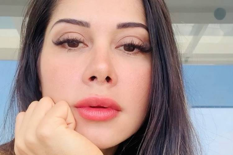Mayra Cardi revela o que vai fazer com tatuagem que tem do ex Arthur Aguiar