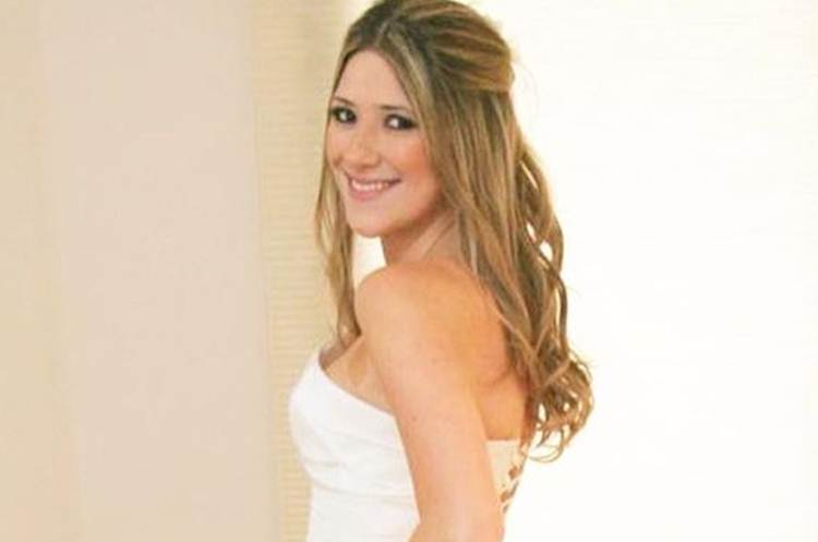Dani Calabresa doa vestido de noiva do casamento com Marcelo Adnet