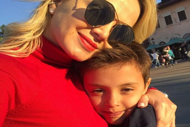 Eliana encanta os fãs ao celebrar aniversário do filho Arthur
