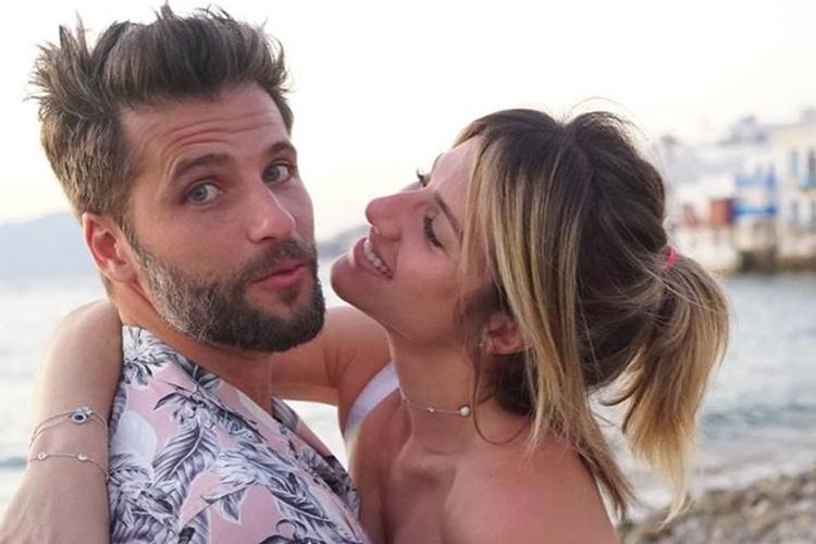 """Giovanna Ewbank posta clique ao lado do marido  Bruno Gagliasso e se declara: """"O nosso amor"""""""