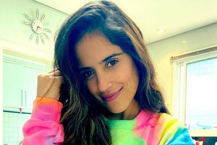 Grávida pela segunda vez, Camilla Camargo oculta barriga em click íntimo