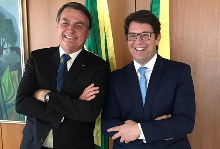 Após repercussão de polêmica entre Mário Frias e Adnet, Bolsonaro divulga projeto do secretário de Cultura