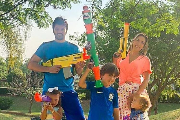 Patrícia Abravanel e família foto reprodução Instagram