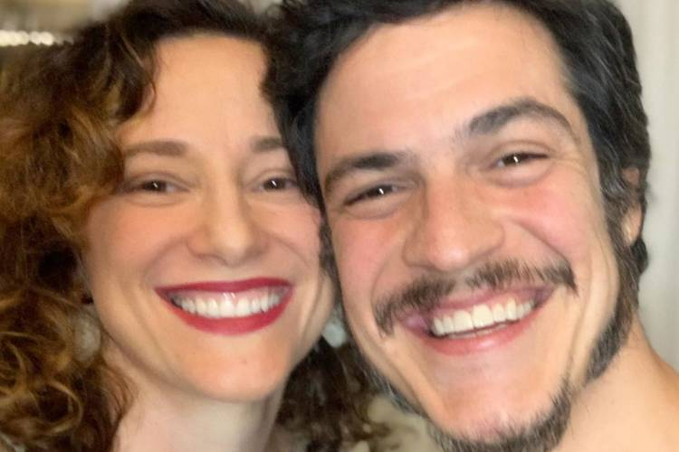 Paula Braun celebra 9 anos de casamento com Mateus Solano e faz revelação