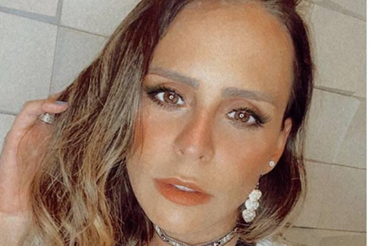 """Grávida, Aline Lima exibe barriga com cicatriz de acidente e relembra: """"Foi muito sério"""""""