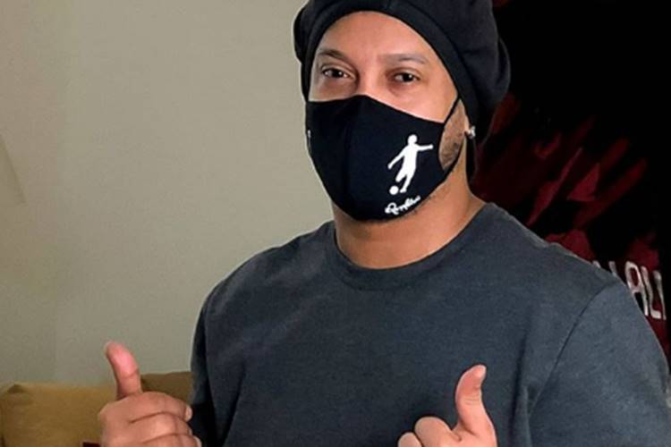 Ronaldinho Gaúcho é diagnosticado com Covid-19