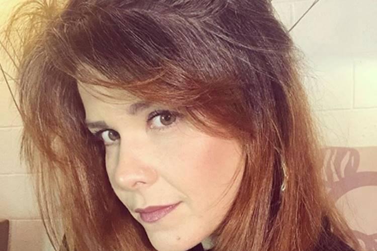 """Samara Felippo comenta sobre fase difícil da vida: """"Preocupada com o futuro"""""""