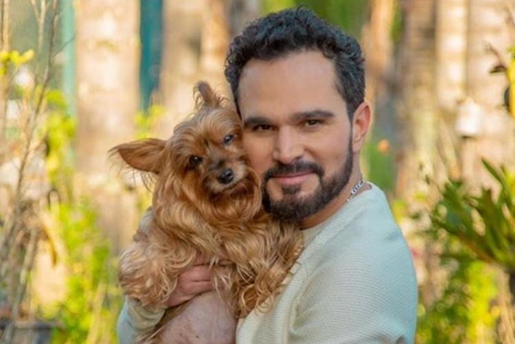 Sertanejo Luciano Camargo presta homenagem ao seu melhor amigo de 4 patas