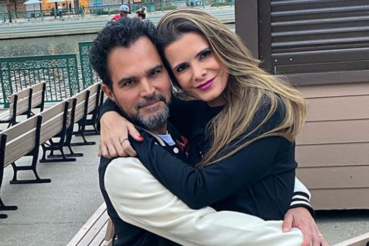 """Sertanejo Luciano Camargo celebra 17 anos de casamento: """"Com você eternamente"""""""