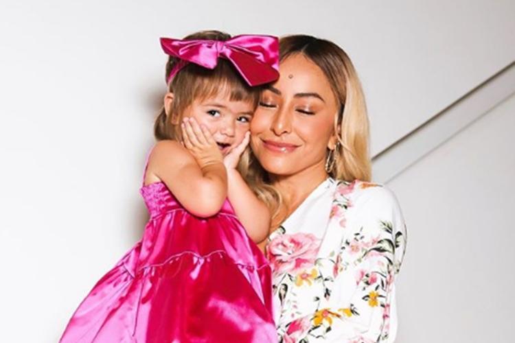 Zoe e a mamãe Sabrina Sato foto reprodução instagram
