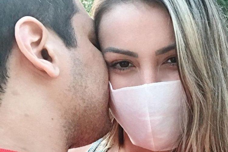 Andressa Urach e o namorado - Reprodução: Instagram