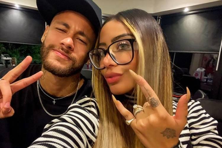 Irmã de Neymar, Rafaella Santos, liquida peças de roupa da família para ajudar crianças da África - Foto: Reprodução/Instagram