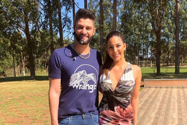 Sertanejo Munhoz e ex esposa Rhayssa Carvalhofoto reprodução Instagram.1