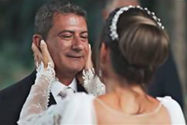 Tom Veiga, o Louro José, surge em vídeo inédito em seu último casamento - Tom Veiga e Cybelle Hermínio se casaram em janeiro Foto: Bianchi films/ reprodução/ instagram
