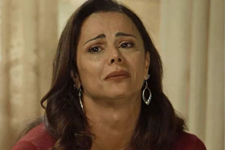 Viviane Araújo chora ao fazer desabafo sobre o cancelamento do Carnaval