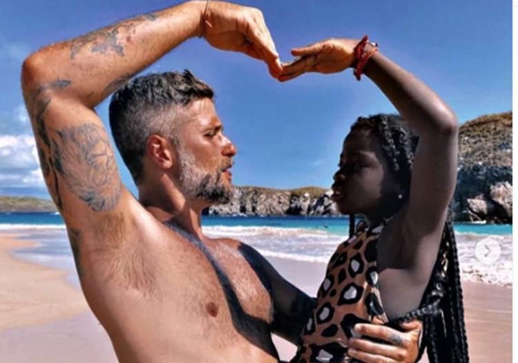 """Bruno Gagliasso encanta seguidores em foto com Titi: """"Ela cuida de mim e eu dela"""""""