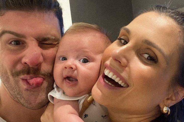 Flávia Viana e Marcelo Zangrandi comemoram vitória do filho no Prêmio Área VIP