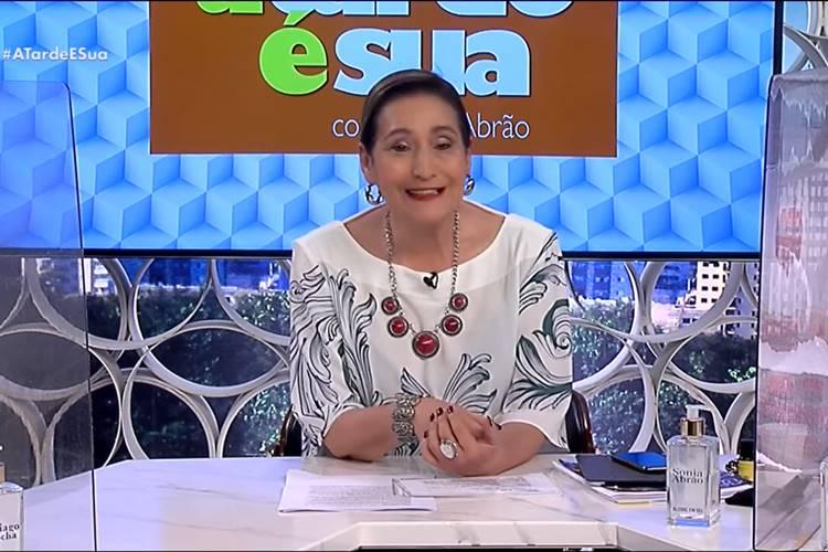 Sonia Abrão após receber criticas toma atitude e apaga foto