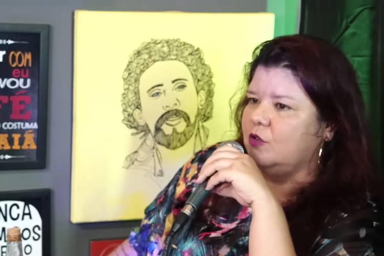 Cláudia Gárcia/ Reprodução YouTube