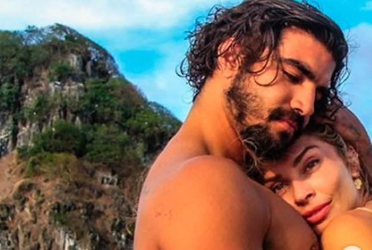 Grazi Massafera publica fotos com Caio Castro e causa impacto em rede social