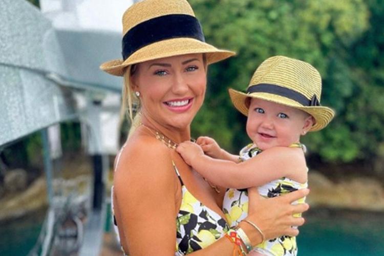 Ana Paula Siebert e filha Vicky foto reprodução Instagram