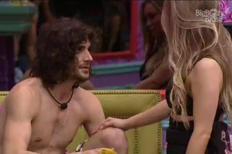 Fiuk e Carla Diaz/ Reprodução Rede Globo