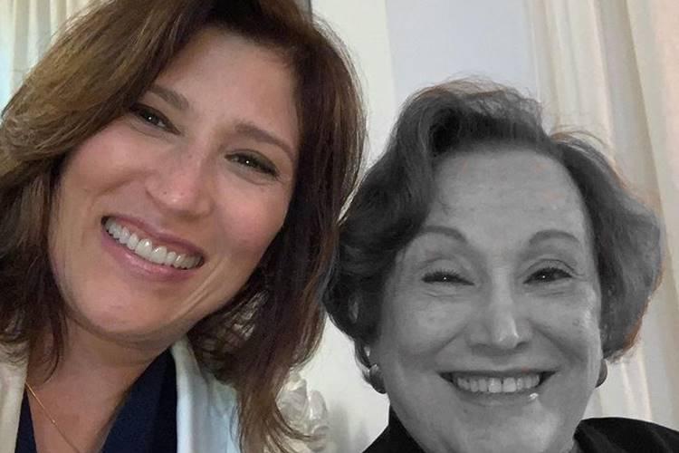 Beth Goulart publica foto antiga com a mãe e desabafa: ''Muita saudade'' - Foto: Reprodução/ Instagram