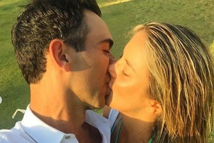 """Ticiane Pinheiro posta clique em clima romântico com Cesar Tralli: """"Te amo"""""""