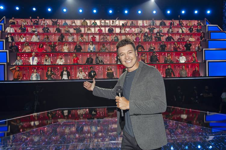Rodrigo Faro comanda terceira temporada de 'Canta Comigo'