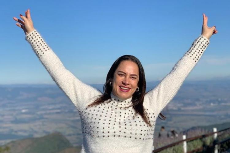 Silvia Abravanel celebra alta hospitalar após internação por Covid-19