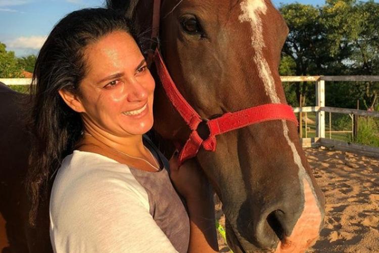 """Silvia Abravanel permanece internada com Covid-19 e faz reflexões sobre o momento: """"Enquanto há vida, há esperança"""""""