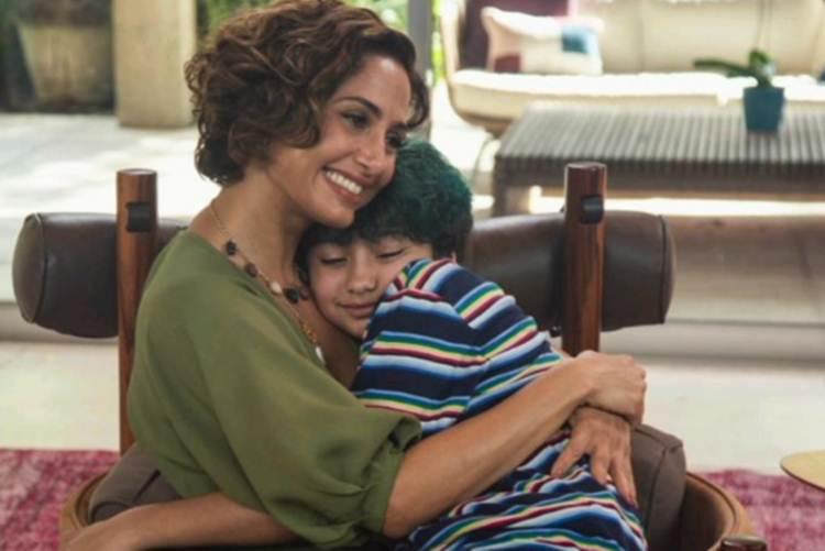 """Camila Pitanga celebra aniversário da filha: """"Você me encanta"""""""